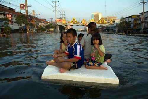 TOPSHOTS-THAILAND-WEATHER-FLOOD