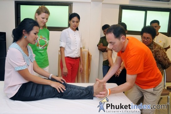 มูลนิธิ Spiritual Health Foundation มอบเงินบริจาคแก่บ้านลุงพิทักษ์เด็กภูเก็ต