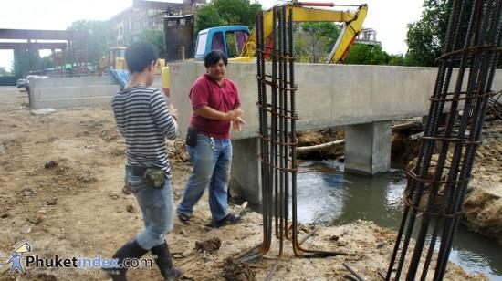 คืบหน้าโครงการก่อสร้างถนนยก  ระดับข้ามคลองเกาะผี