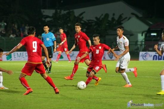 ทีมชาติไทยอุ่นแข้ง ถล่มเมียนมาร์ขาดลอย 8-1