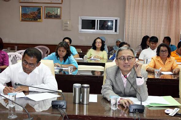 อบจ.ภูเก็ต ประชุมเตรียมความพร้อมจัดงานวันสตรีสากล ประจำปี 2558