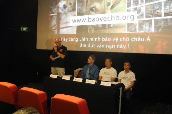 นักร้องนักแสดงชาวเวียดนามร่วมแสดงจุดยืนต่อต้านการค้าเนื้อสุนัข