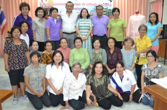 โครงการฝึกอบรมอาชีพในชุมชน ประจำปี 2558