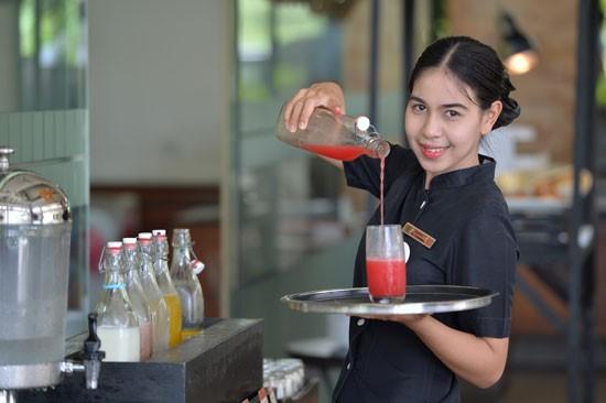 หลักสูตรการฝึกอบรมวิชาชีพด้านการบริการอาหารและเครื่องดื่ม