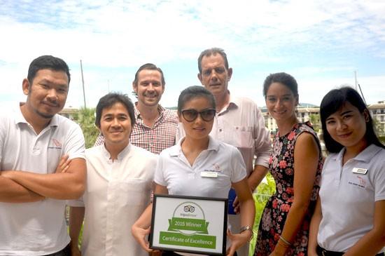 ทีมงาน รอยัล ภูเก็ต มารีน่า ภูมิใจกับการได้รับรางวัล Certificate of Excellence จากเว็บไซต์การท่องเที่ยวชื่อดัง TripAdviser ซึ่งเป็นมารีน่าเป็นแห่งแรกของประเทศไทยที่ได้รับรางวัลดังกล่าว