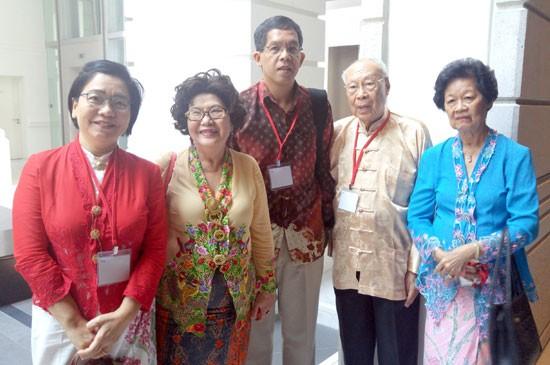 ประธานคณะผู้บริหารเครือโรงพยาบาลกรุงเทพกลุ่มภาคใต้และกรรมการผู้จัดการ ร่วมกับสมาคมเพอรานากันไทย เข้าร่วม งานประชุมพี่น้องบาบ๋า-นอนย่า ครั้งที่ 28
