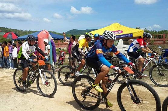 จัดแข่งขันจักรยาน บนเส้นทางประวัติศาสตร์ถลาง