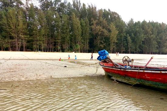 เยียวยาผู้ค้าหน้าชายหาดในเขตอุทยานฯ