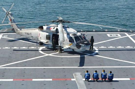 ทัพเรือภาคที่ 3 ลำเลียง เครื่องมือแพทย์ เครื่องอุปโภคบริโภคต่าง ๆ ช่วยเหลือด้านมนุษยธรรม