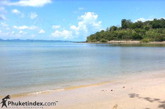 แฟชั่นเที่ยวทะเล เนรมิตหาดทรายให้กลายเป็น Runway แฟชั่น