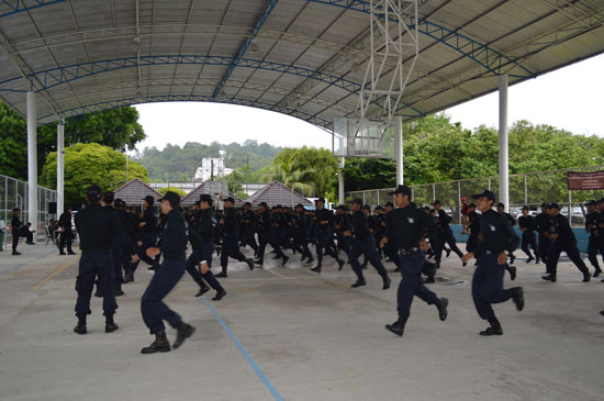 ตำรวจภูธรจังหวัดภูเก็ต ฝึกทบทวนเจ้าหน้าที่กองร้อยชุดควบคุมฝูงชน