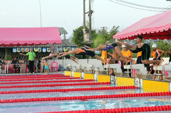 อบจ.ภูเก็ต จัดแข่งขันว่ายน้ำ อบจ.ภูเก็ต โอเพ่น ประจำปี 2559