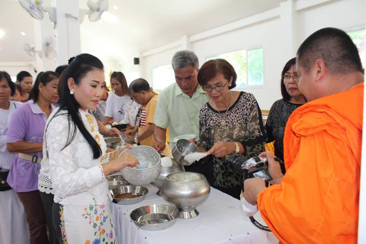 """เทศบาลราไวย์จัดงานสืบสานขนมไทย """"กาละแม"""" ราไวย์ ประจำปี 2560 รักษาขนบธรรมเนียมประเพณี และวัฒนธรรมถิ่น"""