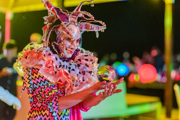 โรงแรมอังสนาลากูนาภูเก็ตฉลองปาร์ตี้ต้อนรับปีใหม่ที่ ซาน่าบีชคลับ