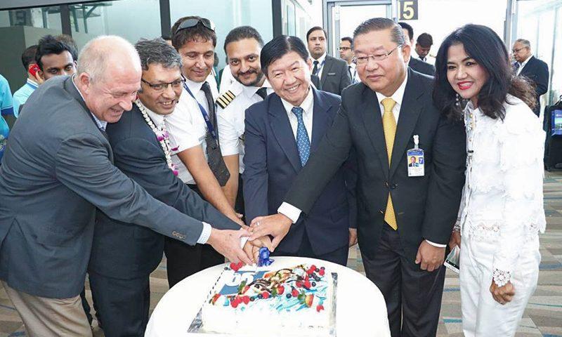 รองผู้ว่าฯภูเก็ตต้อนรับเที่ยวบินปฐมฤกษ์ โกแอร์ สายการบินสัญชาติอินเดีย