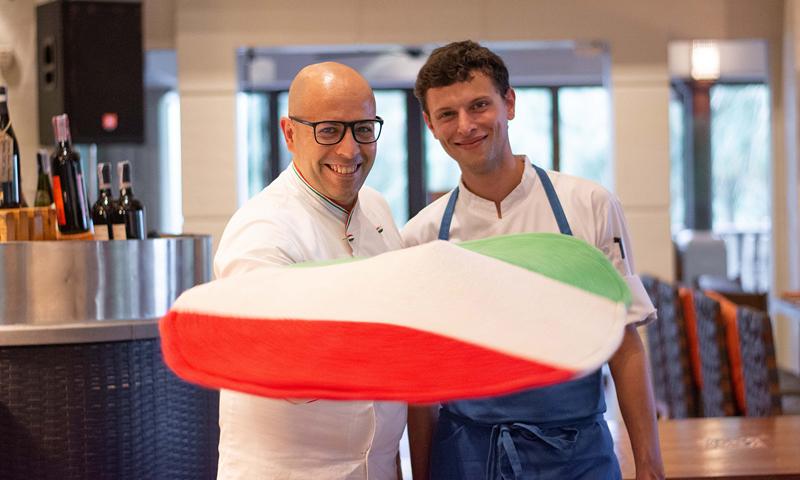 อิ่มอร่อยกับพิซซ่าต้นตำรับพร้อมชมโชว์สุดอลังการ แชมป์โลก 2 สมัย ณ ห้องอาหาร คูชิน่า อิตาเลี่ยน คิทเช่นท์