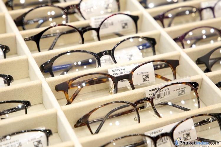 OPTICAL 88 @ CENTRAL PHUKET FESTIVAL เปิดศูนย์เลนส์โปรเกรสซีฟครบวงจร เชิญทดลองใส่เลนส์เสมือนจริงตรวจวัดสายตาอย่างละเอียด พร้อมโปรโมชั่น แว่นตาแบรนด์เนมลดสูดสุด 70% และเลนส์โปรเกรสซีฟลดสูงสุด 40%