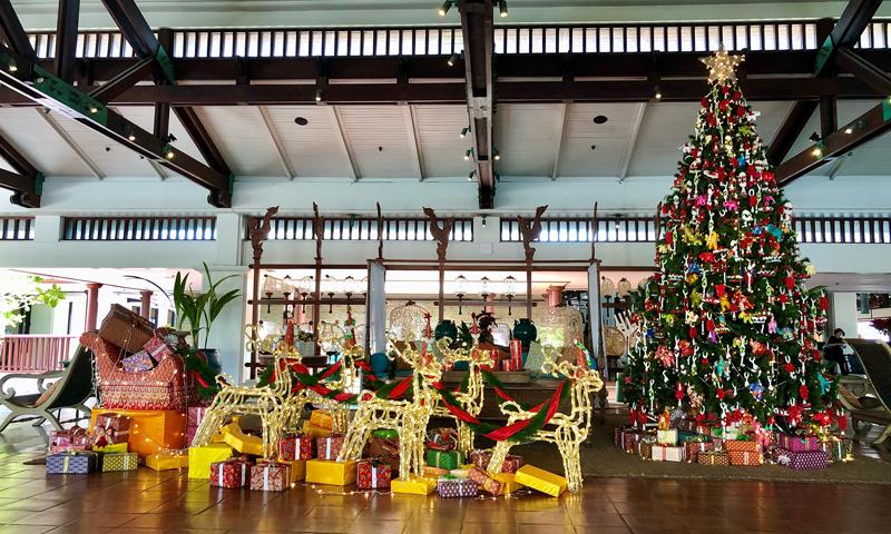 เจดับเบิ้ลยู แมริออท ภูเก็ต จัดงานพิธีเปิดไฟต้นคริสมาส ต้อนรับเทศกาลแห่งความสุข