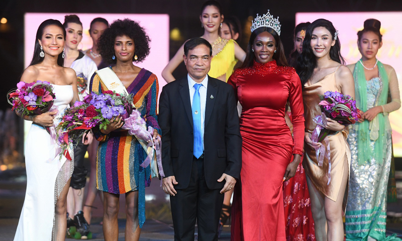 ยิ่งใหญ่ตั้งแต่เริ่มต้น! เวที Miss International Queen 2020 ณ ศูนย์การค้าจังซีลอน ป่าตอง ภูเก็ต