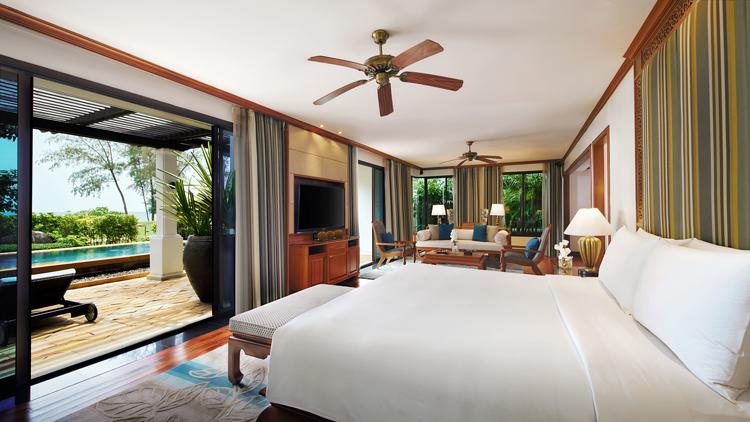 โรงแรม เจดับบลิว แมริออท ภูเก็ต รีสอร์ท แอนด์ สปา คว้ารางวัล 1 ใน 10 อันดับโรงแรมรีสอร์ทที่ดีที่สุดในเอเชียตะวันออกเฉียงใต้ จากผลสำรวจของผู้อ่านนิตยสารท่องเที่ยวชื่อดังระดับโลก Travel + Leisure